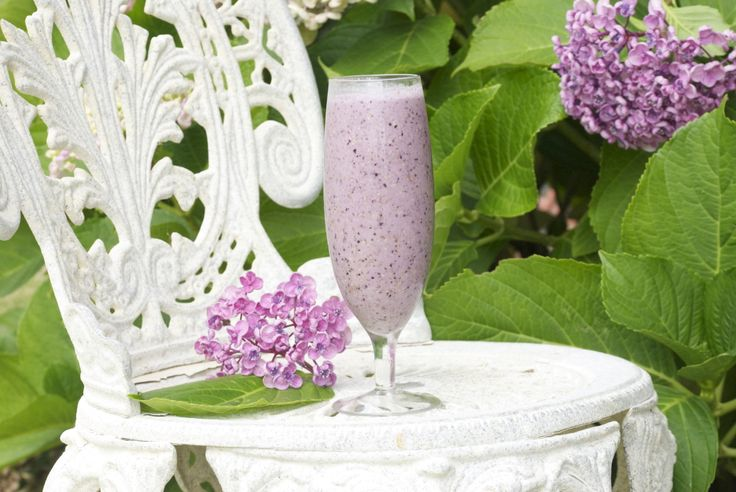 Creamy Berry Smoothie - Foreverfit.tv :: Fitness | Nutrition | Online Gym