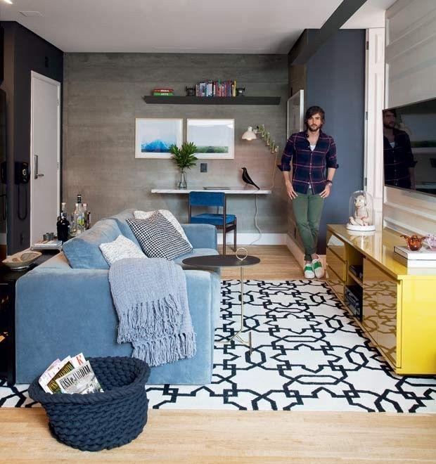 sala-sofa-tv-tapete-quadro-concreto-madeira-rack (Foto: Marco Antonio/Editora Globo)