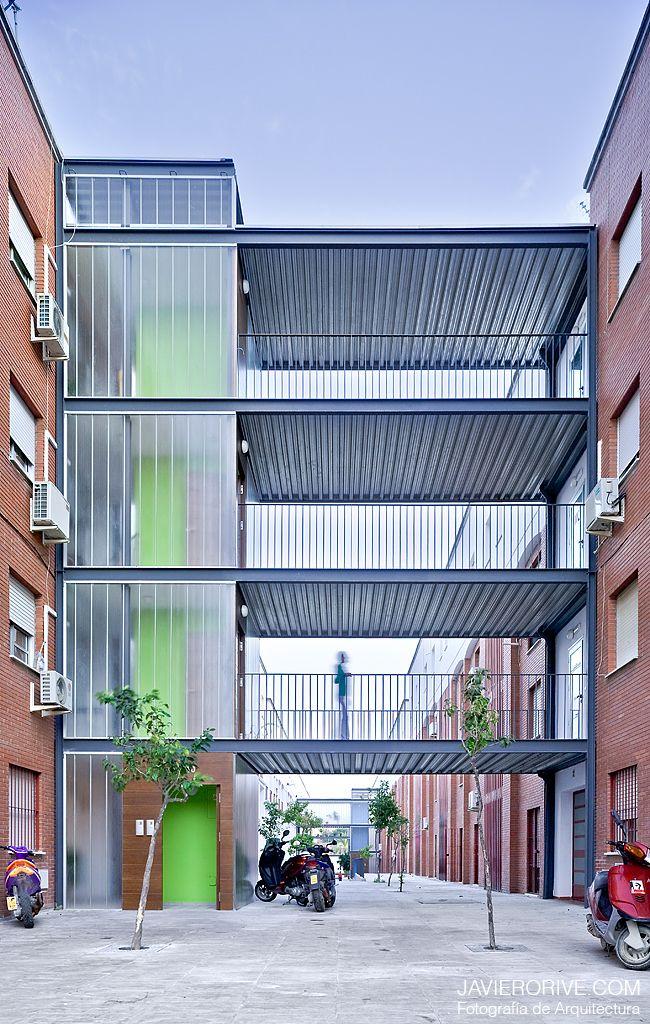 Intervención en espacios comunes de edificios plurifamiliares de promoción pública – AF6 arquitectos