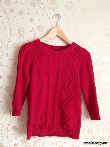 Красные свитера с аксессуарами