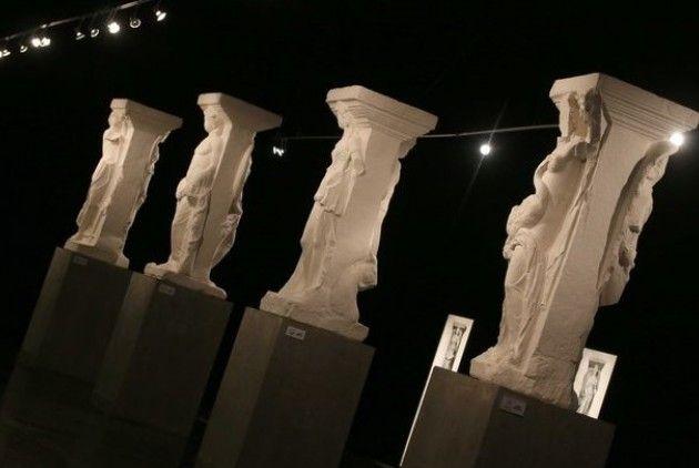 Πλησίστιος...: Η Θεσσαλονίκη υποδέχεται τις «Μαγεμένες»