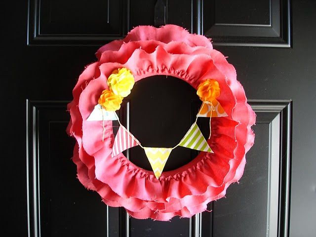 Ruffled fabric wreath: Ideas Parties, Birthday Banners, Birthday Parties, Summer Wreaths, Ruffles Wreaths, Front Doors, Birthday Wreaths, Summer Colors, Summer Birthday