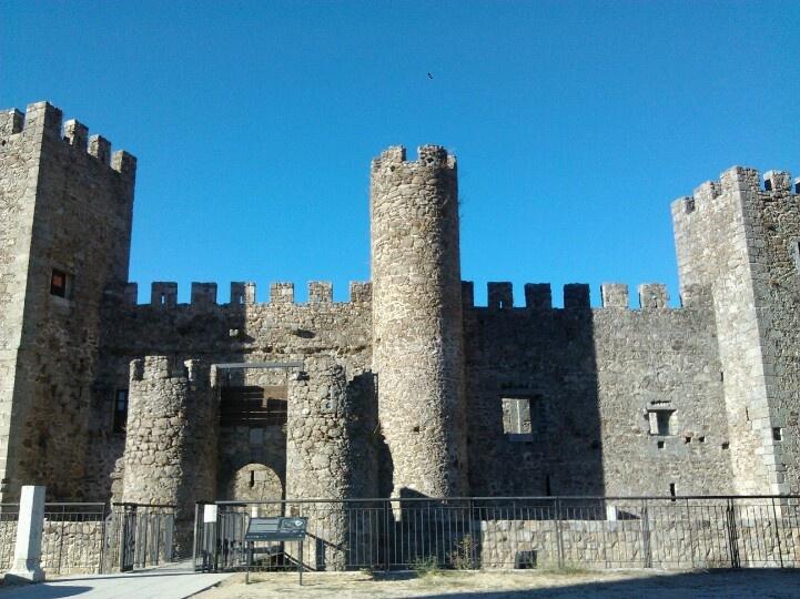 castillo montemayor del r o castillos pinterest castillos espa a y maravillas del mundo. Black Bedroom Furniture Sets. Home Design Ideas