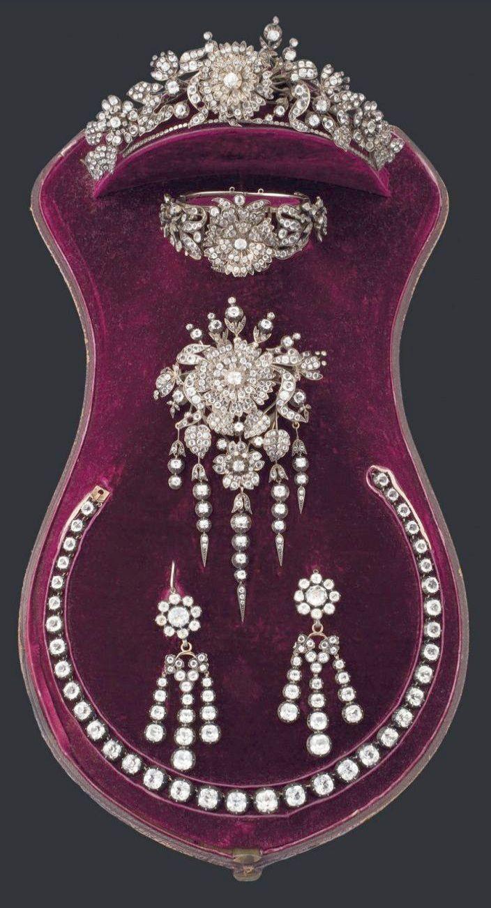 Certified Round Diamond Earrings Screw Wave jewelry