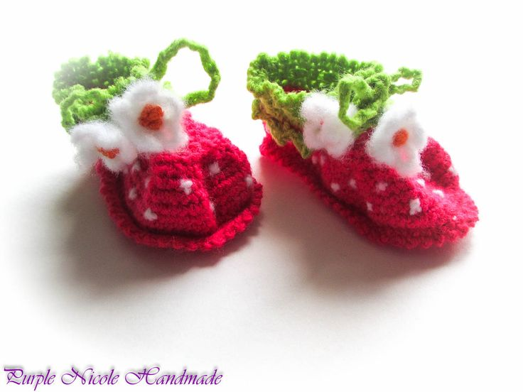 Wild Strawberries - Handmade Crochet Girl Bootees by Purple Nicole (Nicole Cea Mov). Materials: bright pink, green, white yarn.