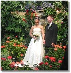 Indoor weddings at Carruther's Creek Golf Centre of Canada - Weddings with indoor waterfalls