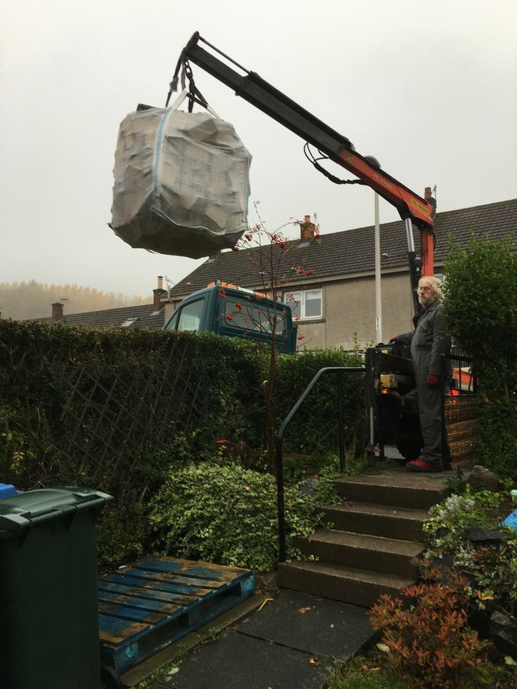 Delivery over the garden hedge down onto the pallet, this service is available if necessary within 150 miles of PH1 3EQ (mainland) depending upon quantity ordered.