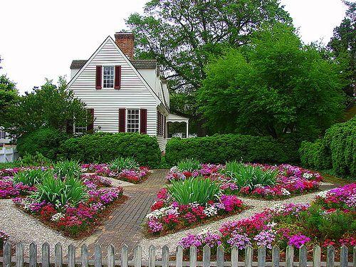 flower garden: Garden Pathways, Front Yard, Flower Gardens, Flower Gardening, Gardening Colors, Gardening Outdoor, Flowers Garden, Flower Vegetable Fruit Gardens