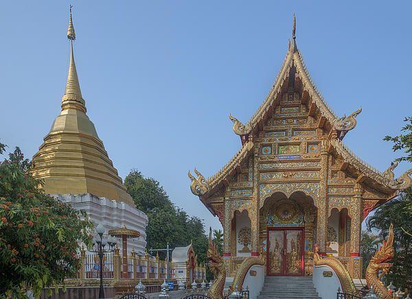 2013 Photograph, Wat Thatkam Phra Ubosot and Phra Chedi, Tambon Haiya, Mueang Chiang Mai District, Chiang Mai Province, Thailand, © 2014.  ภาพถ่าย ๒๕๕๖ วัดธาตุคำ พระอุโบสถ และ พระเจดีย์ ตำบลหายยา เมืองเชียงใหม่ จังหวัดเชียงใหม่ ประเทศไทย