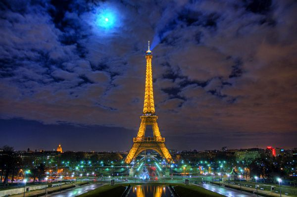 i've been to the city of love and light. desdevweb.com