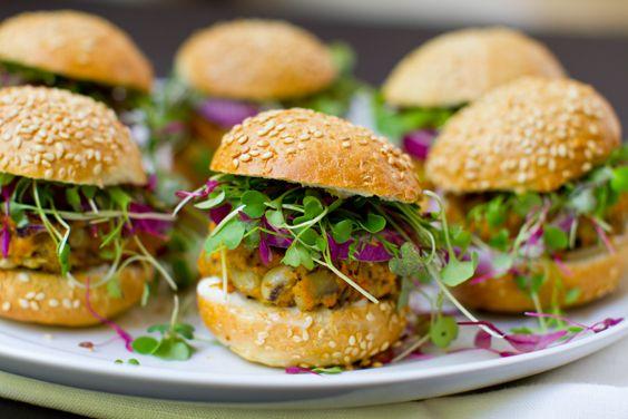 Black Eyed Sweet Potato Sliders: Potatoes Veggies, Veggies Burgers, Healthy Dinner, Eye Sweets, Healthy Recipe, Potatoes Sliders, Black Eye Peas, Peas Sweets, Sweets Potatoes