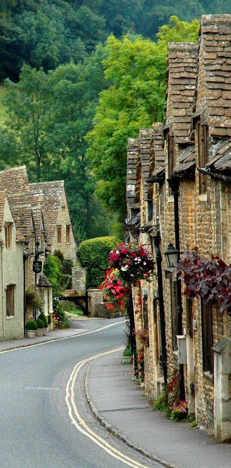 Castle Combe | the prettiest village in England