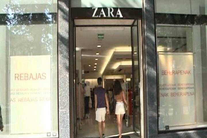 Inditex sigue generando empleo en España. Durante su primer trimestre fiscal -1 de febrero a 30 de abril- el grupo propietario de la cadena de moda Za...