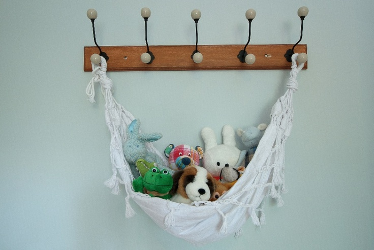 Good idea I found on friedeliene.com: I have such a baby hammock :)