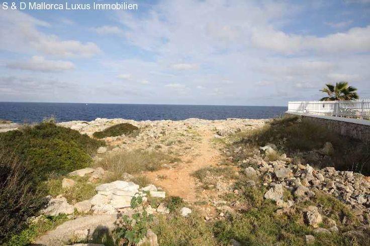 2 erschlossene Baugrundstücke, je 1000m² mit eigenem Meerzugang: 2 erschlossene Baugrundstücke von ca. 2.000qm a 1.000qm in erster Meereslinie mit eigenem Meerzugang in Cala D Or zu...