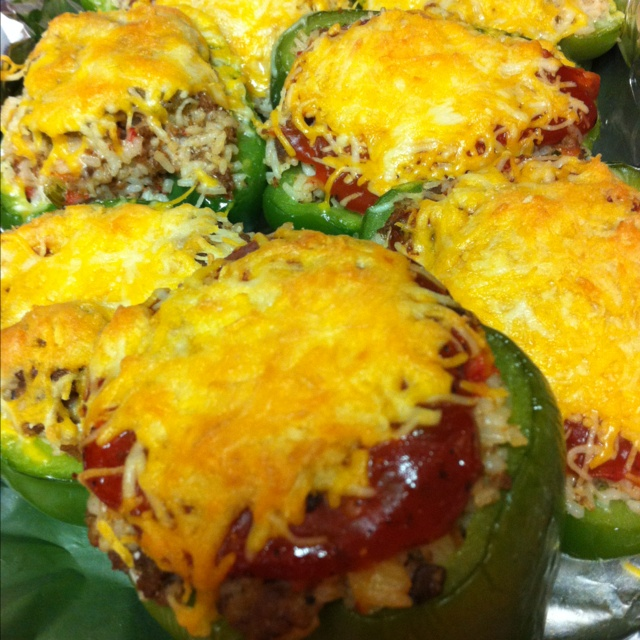 It's what's for dinner.... Stuffed bell peppers...yum! Super easy: Belle Peppers Yum, Belle Peppersyum, Stuffed Belle Peppers, Stuffed Bell Peppers