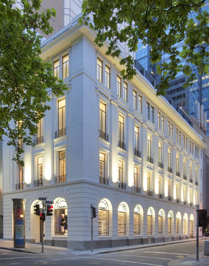 Chanel Flinders Lane Melbourne, the recent cherry-on-the-top addition to our Paris End. She replaces the old Scientology building...and is much more appropriate oui?