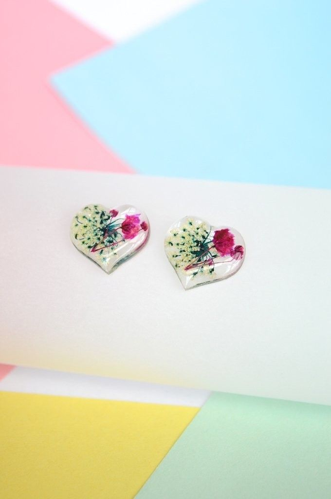 Stud earrings Hearts with white-Floresse