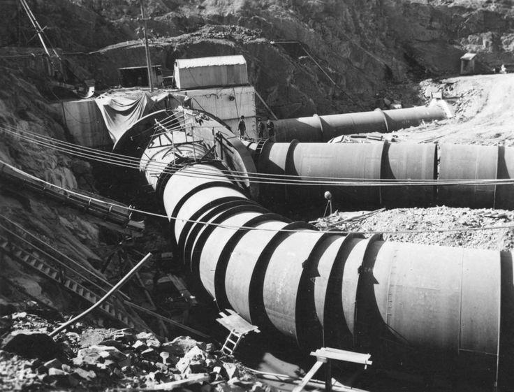 Pipework during New Eildon Dam Wall construciton