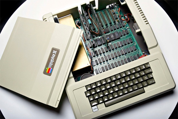 Apple II (circa 1977)