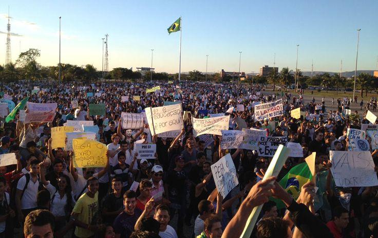 Palmas - Manifestantes protestam na capital do Tocantins