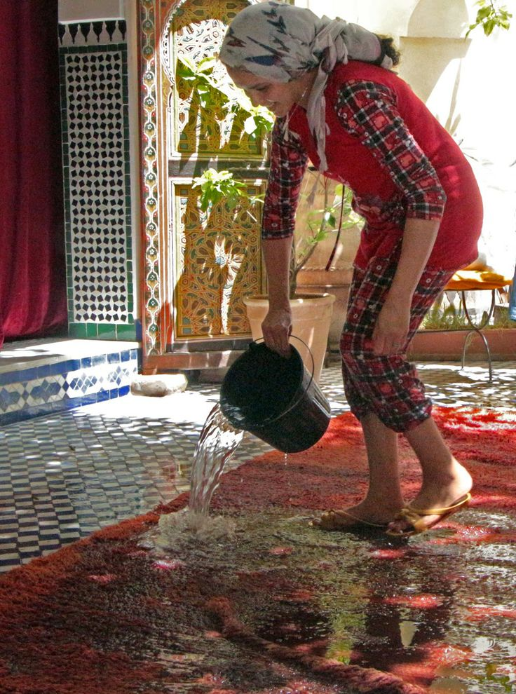 THE VIEW FROM FEZ: The Carpet Washing Season in Morocco