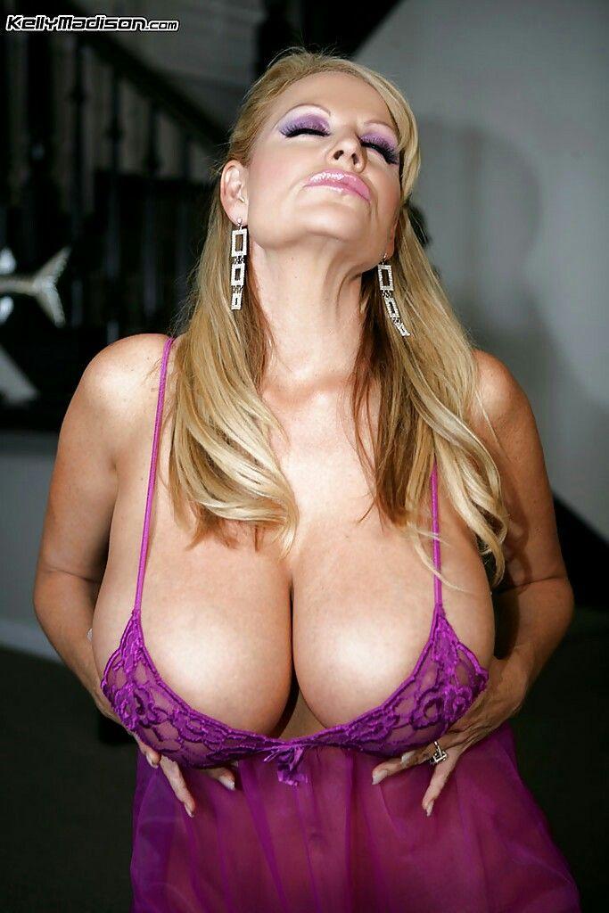 image Bigtit blonde milf brooke banner gives an amazing bj