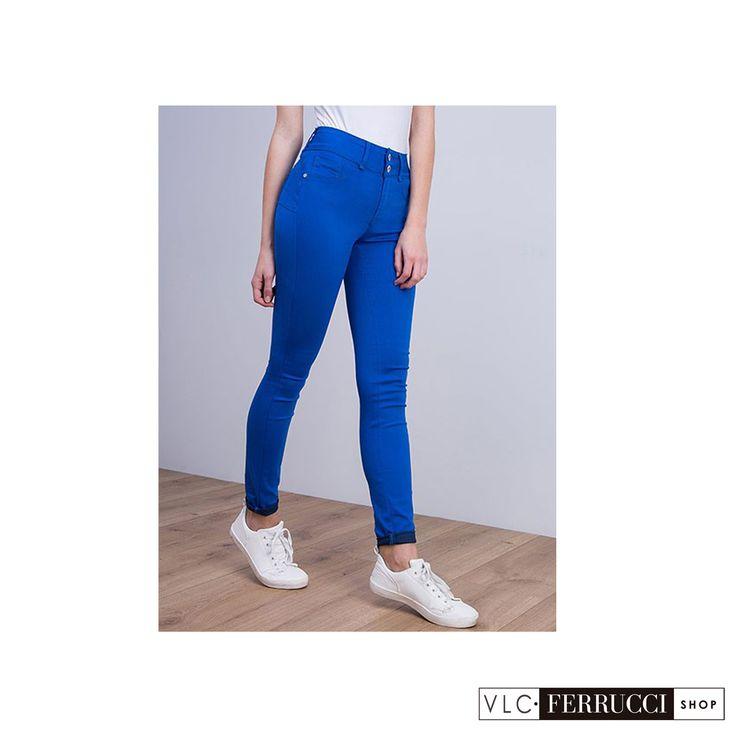 Jeans pitillo color azul de talla unica (one size) con efecto push-up y tiro alto, se adaptan perfectamente al cuerpo, para tallas desde la 36 a la 42, de la marca Tiffosi.  #FerrucciVLC #jeans #pushup #pantalones #fashion #vaqueros #colores #look #outfit #outfitoftheday #style #stylish #shopping