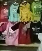 Iche collections:menjual kaos anak2karakhter  Harga grosir . Hp/wa  081213146012