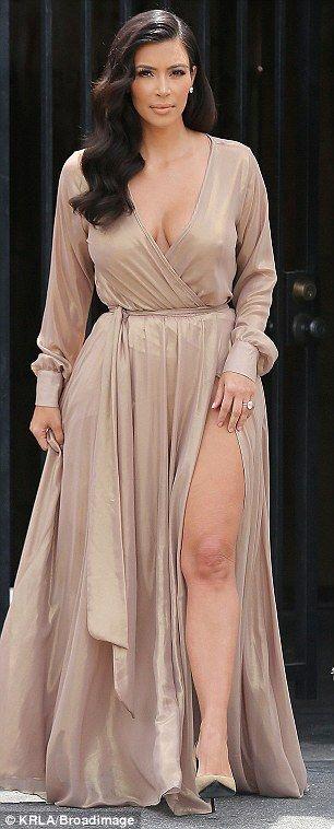 dress, nude, sleeves, pumps,