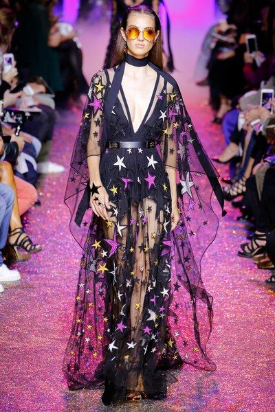 View the complete Elie Saab Spring 2017 collection from Paris Fashion Week.