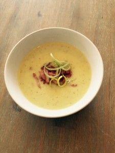 Recept: Mosterdsoep met prei en spekjes