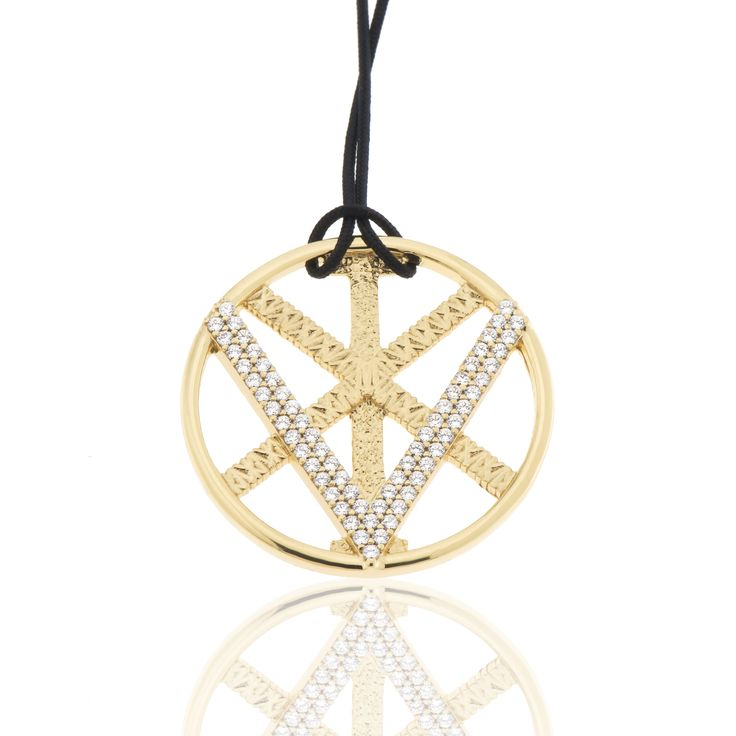 2016 Gold plated sterling silver charm with cubic zirgonia and a cord.  Dimensions: 33 Χ 33 mm. Γούρι 2016 παντατίφ σε ασήμι 925 επιχρυσωμένο με λευκές πέτρες σε κορδόνι.  Διαστάσεις : 33 Χ 33 mm.