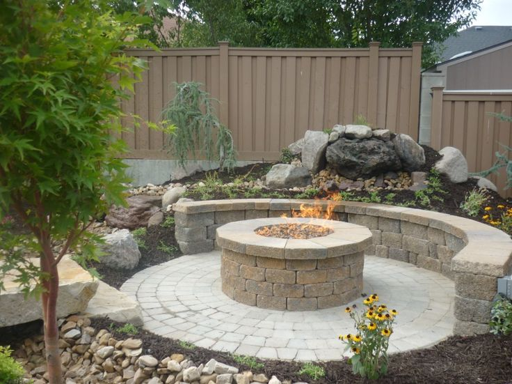 Great circular paver patio kit with large round outdoor for Do it yourself fire pit designs