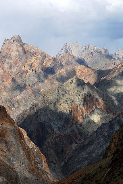 the breathtaking Ladakhi landscape - Hanupatta