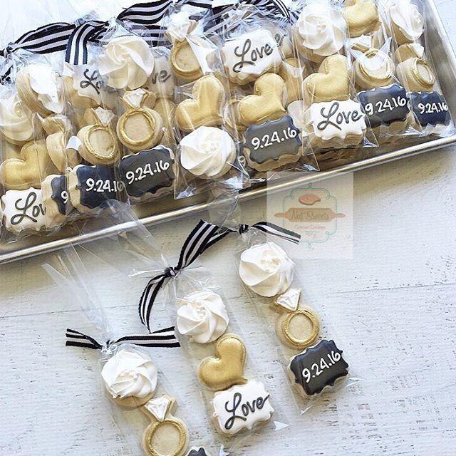 Loving these bridal shower mini packs #blackwhiteandgold