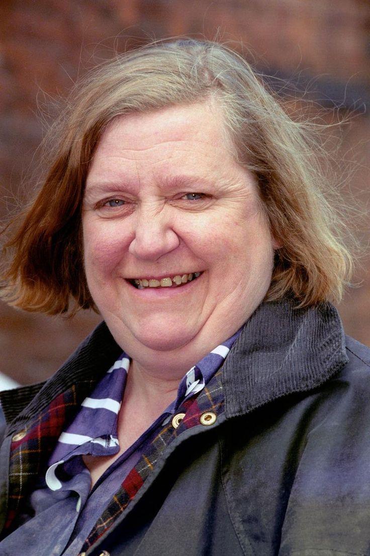 Clarissa Dickson Wright Dead @ 66
