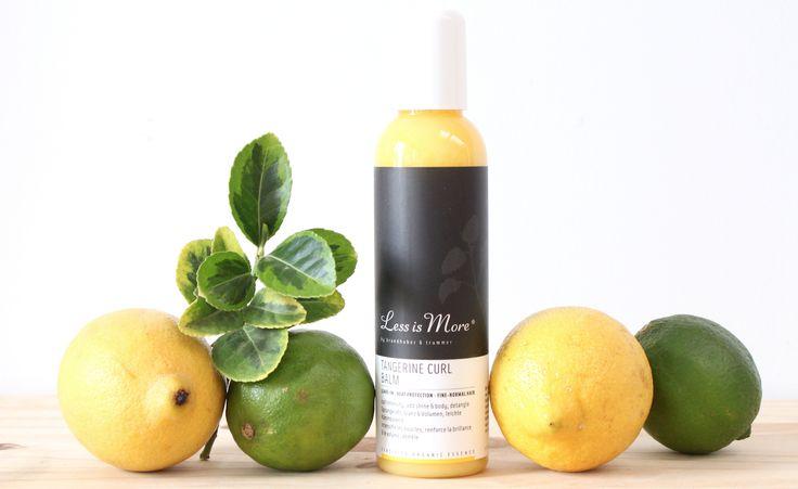 La crème démêlante pour cheveux bouclés à la mandarine de LESS IS MORE dessine les boucles, fait briller les longueurs, donne du volume et facilite le démêlage. Les cheveux sont assouplis, hydratés et protégés des appareils chauffants. Formulée aux agrumes et particulièrement à l'huile essentielle d'écorce de mandarine, elle sublime les cheveux au quotidien. #beauté #naturelle #biologique #bio #natural #cosmetic #cosmétiques #NUOO #vegetaloil #huilevegetale #cheveux #beauty #hair