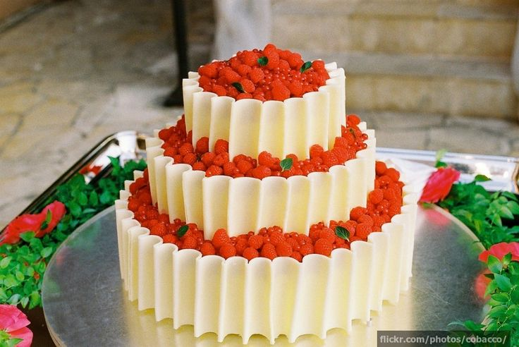 Let's be honest, apart from seeing two people who love each other say their vows, the best part of the big day is the food, and more importantly, the cake. You've spent hours standing around and taking part in the pleasantries, you deserve to indulge in some marzipan goodness.