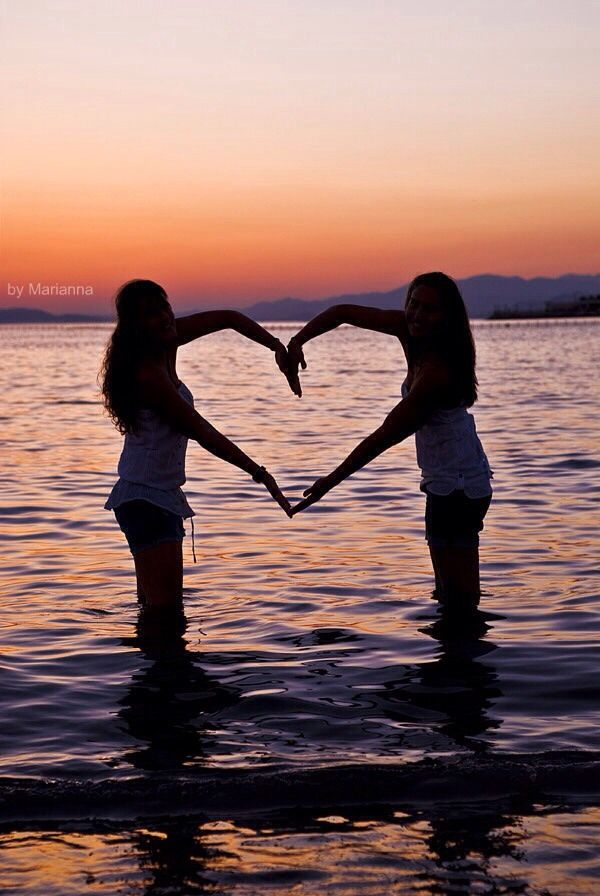 cute beach picture ideas with friends | friend photo ideas cute ️ by ️lindsay haggenmiller ️ 500 friends ...