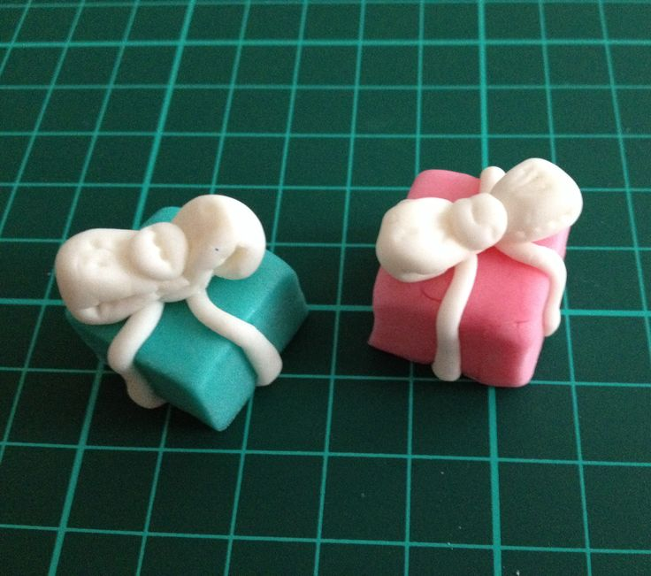 Gift boxes - colored vanilla fondant cupcake/cake toppers
