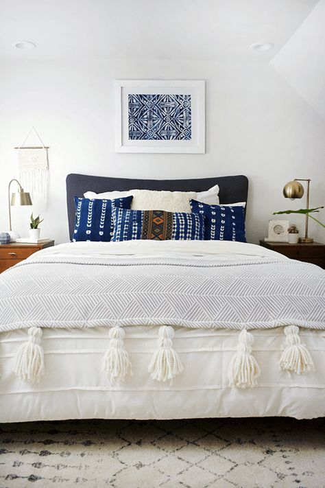 best 25 blue white bedrooms ideas on pinterest navy 10886 | 7623279d4212485e93599941e4ec7365 white bedrooms modern bedrooms