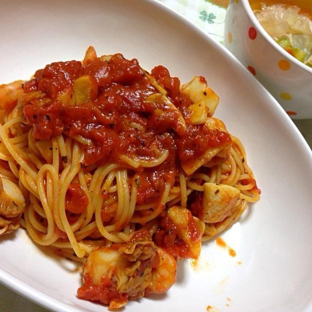 冷凍のシーフード(イカ、エビ、ホタテ)でなんちゃってペスカトーレ! - 83件のもぐもぐ - ペスカトーレ と キャベツのスープ by koich