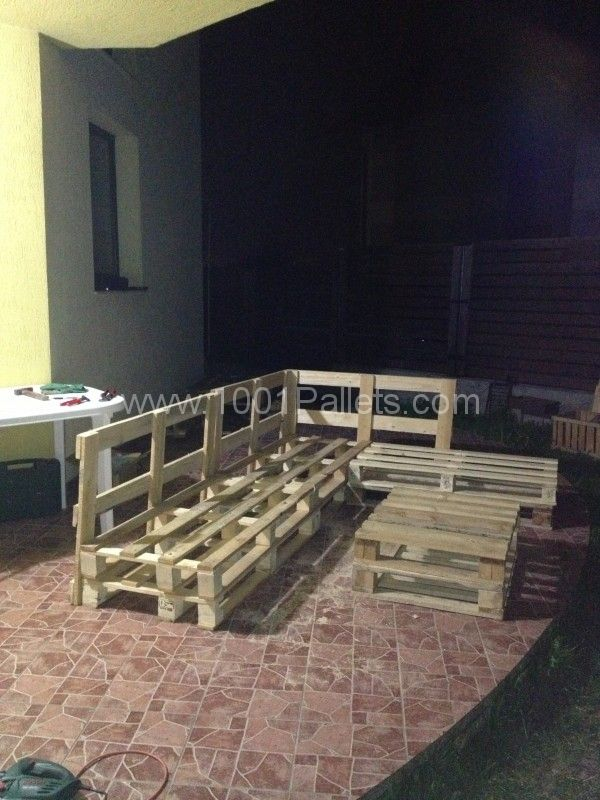 3 steps to make this pallet sofa #packaging #pallets #DIY