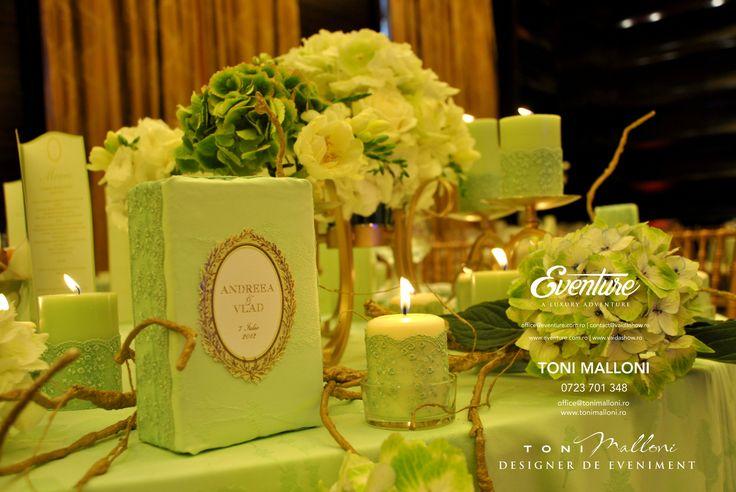 Aranjamnete florale Nunta, Masa Prezidiu Decor by Eventure Co.  graphic designer T.Ina & event designer Toni Malloni  www.eventure.com.ro www.tonimalloni.ro www.bprint.ro www.eventurecentralstore.ro +40 723 701 348 office@eventure.com.ro