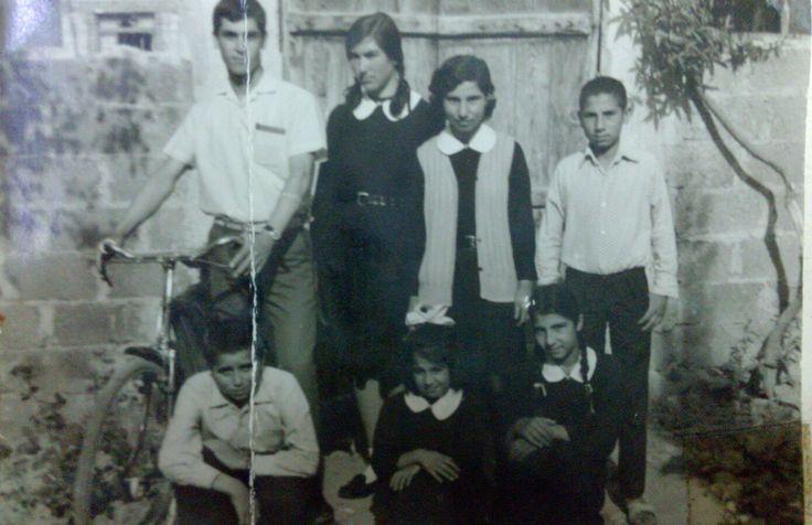 Kuzenler okul kıyafetleri ile 1968