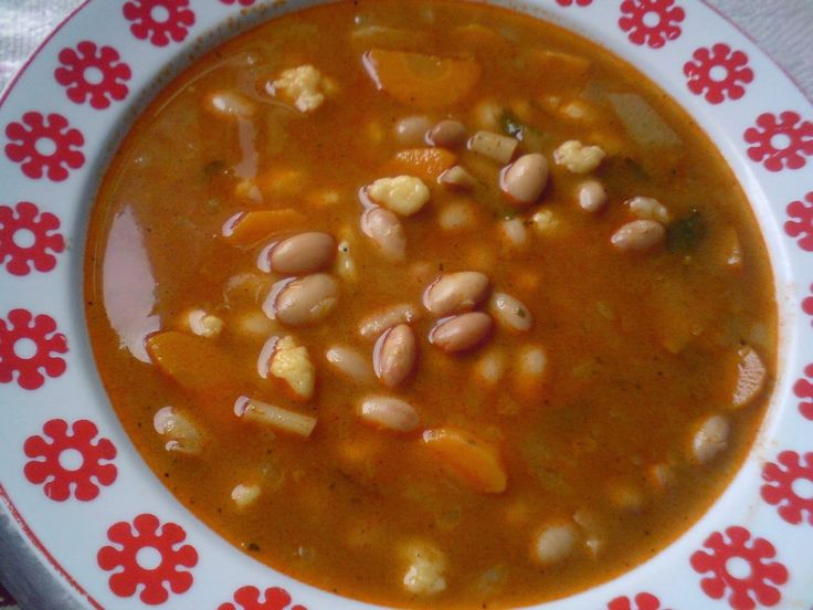 Paprikás krumpli: Fejtett bableves csipetkével