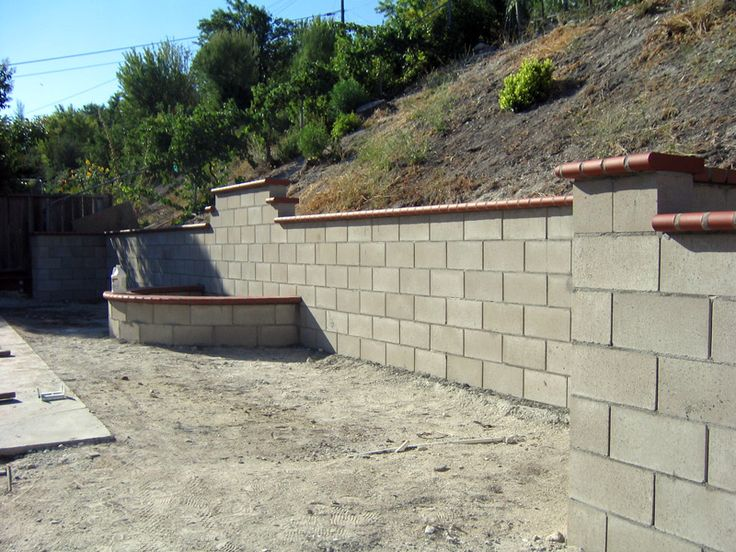 masonary brick retaining walls google search - Cinder Block Wall Design