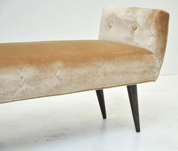 Schicke Vintage Möbelbeine im Stil der Jahrhundertmitte -  Machen Sie den Schritt zur Eleganz!