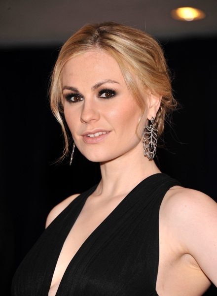 Check out Anna Paquin's smokey eye look. Get your own most flattering #hair #color at home with eSalon! It's nothing like mass-made drugstore color. eSalon's colorists consider all your hair details and create an individual pigment just for you, the same as in a salon. The color is so personalized, it even has your name on it! Get your custom blend here: www.eSalon.com